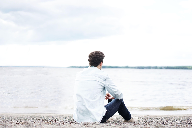 человек на пляже