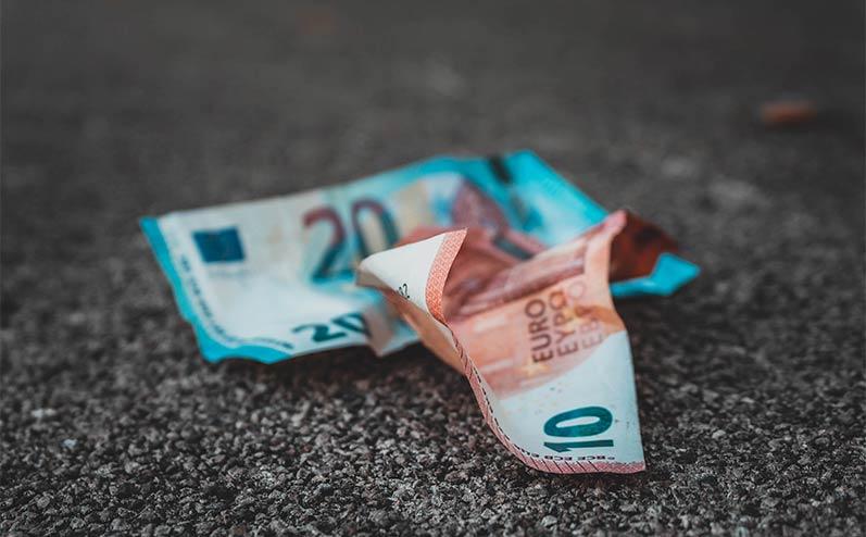 eiro banknotes