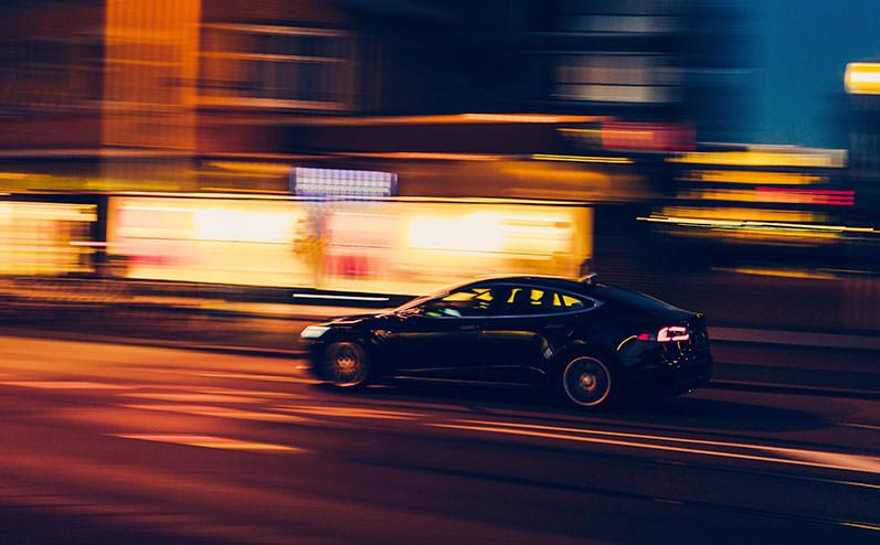 быстрый автомобиль