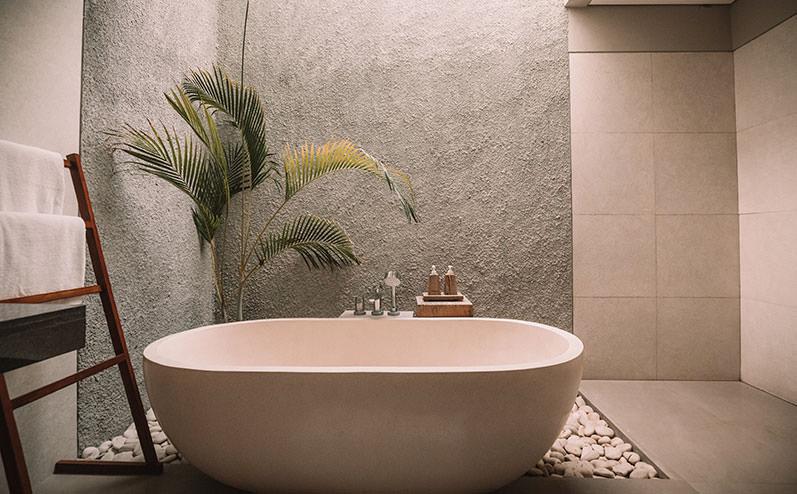 ванна в комнате
