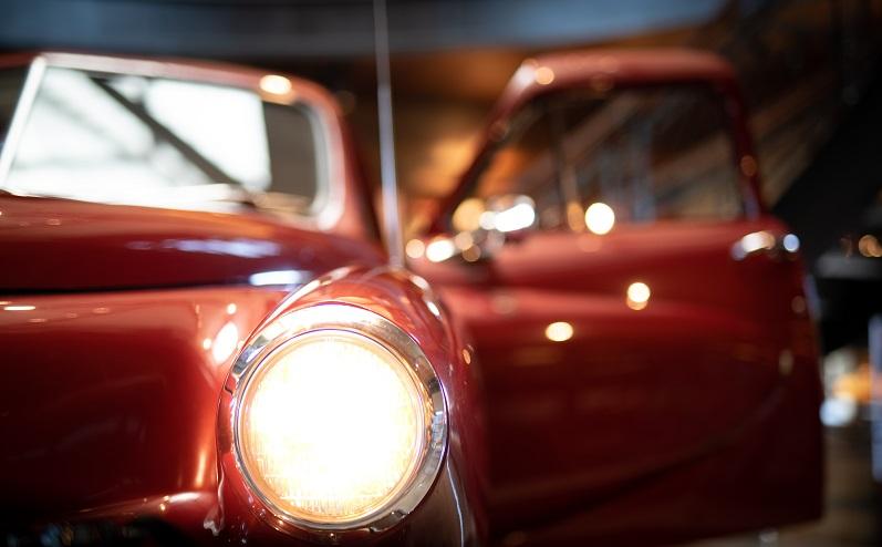 sarkans auto